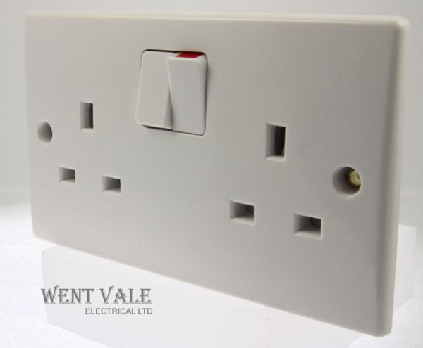 GET Ultimate Slimline - GU3020 - White Moulded 13a Switched Twin Socket New